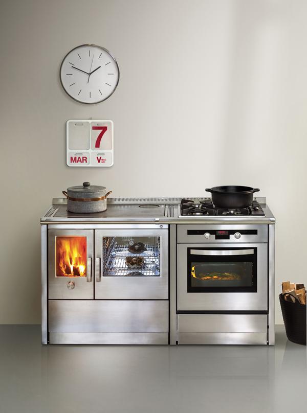 J corradi le cucine a legna per cucinare e riscaldare la casa youtrade web - Stufe a legna per cucinare e riscaldare ...