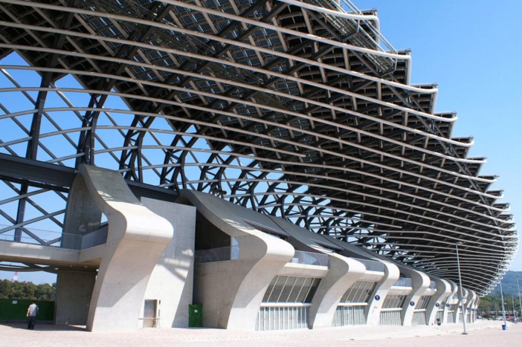 Dettaglio del Dragon Stadium visto dal basso
