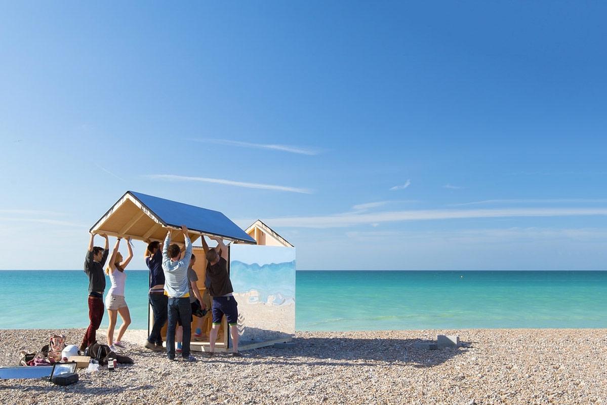 Al mare tutti in cabina a specchio youtrade web for Planimetrie della cabina della spiaggia