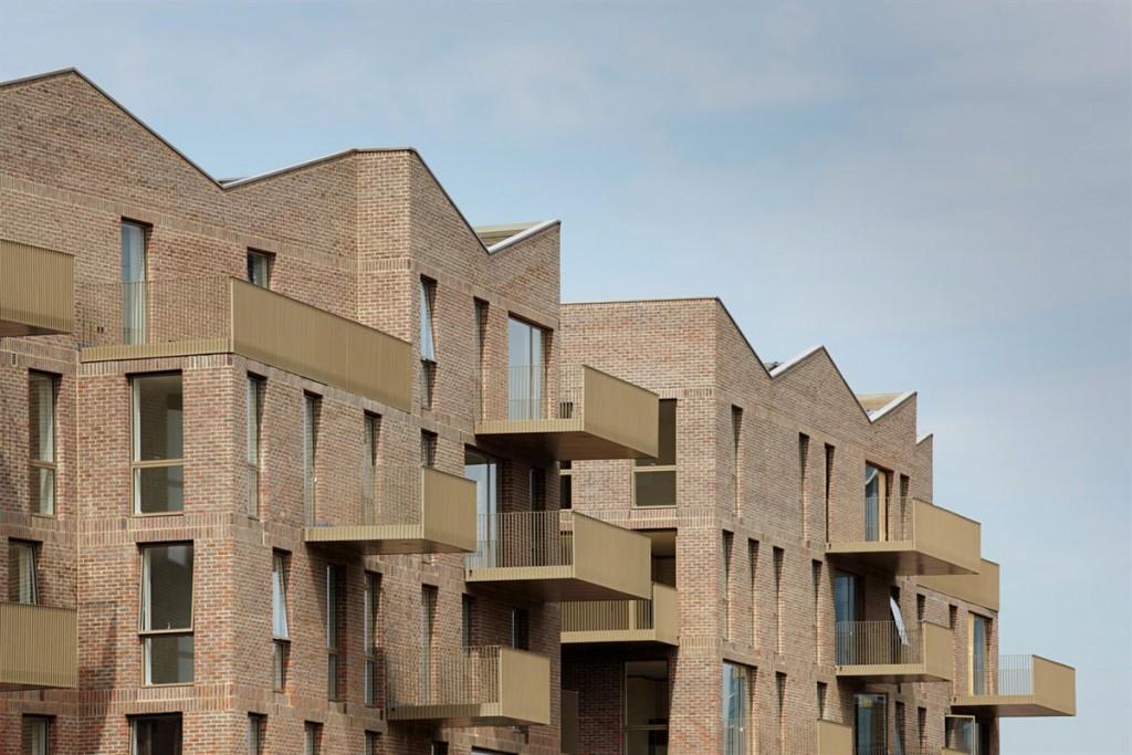 Le unità di Brentford Lock West alla periferia di Londra progettate da Duggan Morris Architets