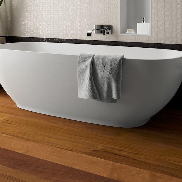 Parquet per il bagno dellatte pavimenti in legno per - Parquet in bagno consigli ...