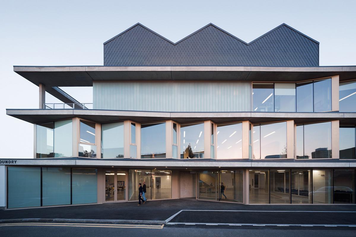 A londra l 39 ex fabbrica che diventa architettura for Nuova architettura in inghilterra