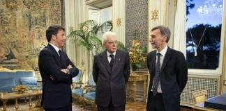 Da sinistra: Matteo Renzi, Sergio Mattarella, Graziano Delrio