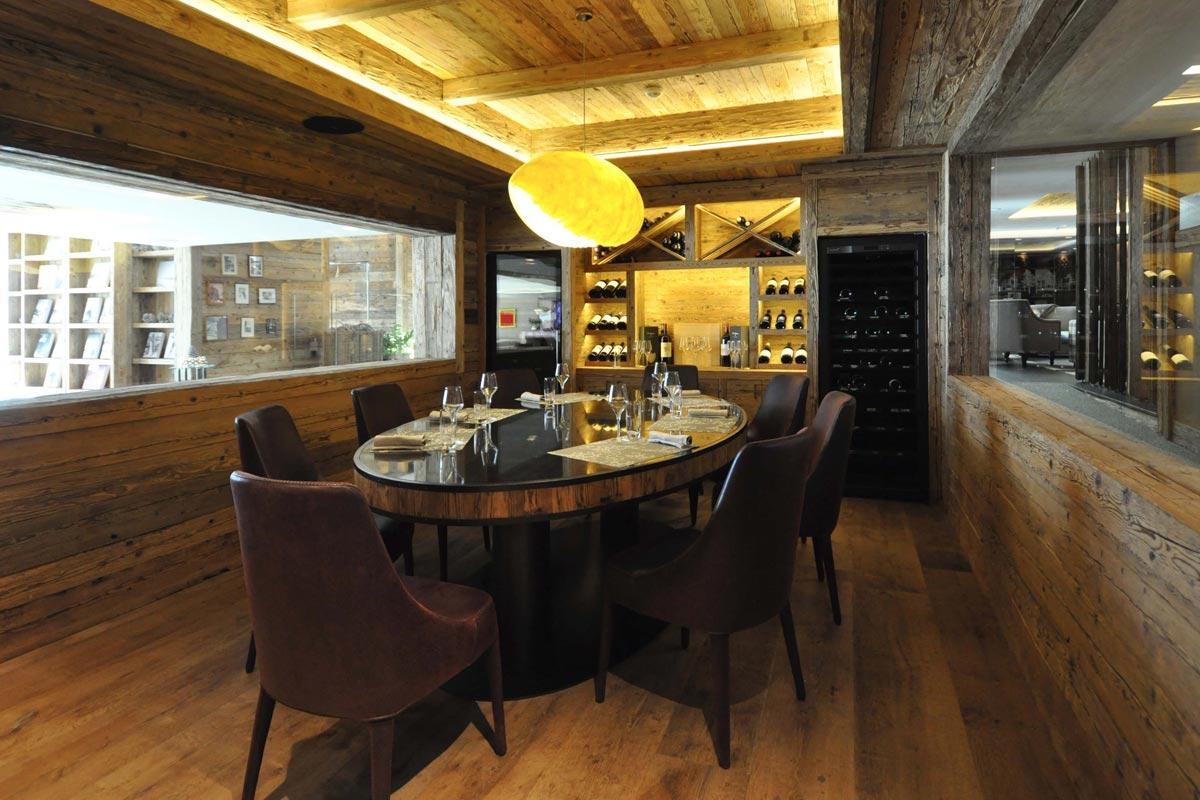 catellani smith risplendono nell 39 hotel di rougemont youtrade web. Black Bedroom Furniture Sets. Home Design Ideas