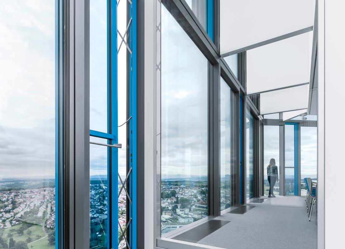 vetro intelligente su 441 finestre per l 39 automation center di festo youtrade web. Black Bedroom Furniture Sets. Home Design Ideas