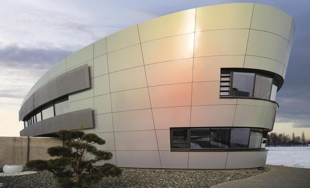 La finitura Chamaleon della nuova soluzione REDAir, di ROCKWOOL, per il rivestimento delle facciate ventilate,