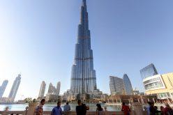 Il grattacielo più alto del mondo ha le fondamenta in rosso