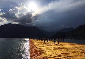 The floating piers, c'è anche Italcementi nell'opera di Christo