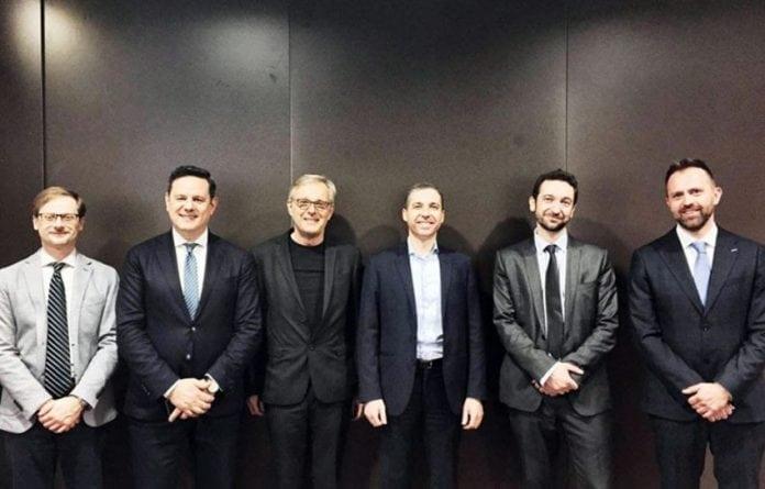 I rappresentanti delle aziende di Aismt con Norbert Lantschner (terzo da sinistra)