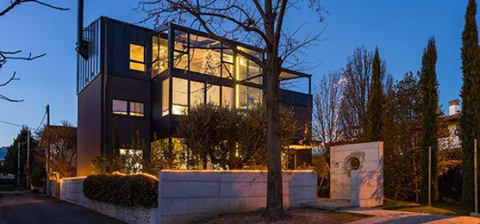Eclisse firma la villa prefabbricata in legno e acciaio