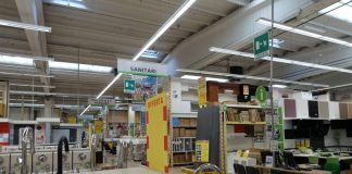 Un interno di magazzino Leroy Merlin