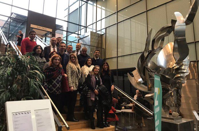 Gli studenti all'Università finlandese Haaga Helia di Helsinki