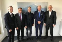 Il nuovo cda. Jobst Wagner (al centro), Thomas Endres (secondo da destra), Stefan Girschik (secondo da sinistra), Philipp Endres (a destra), Marco Zahnd (a sinistra)