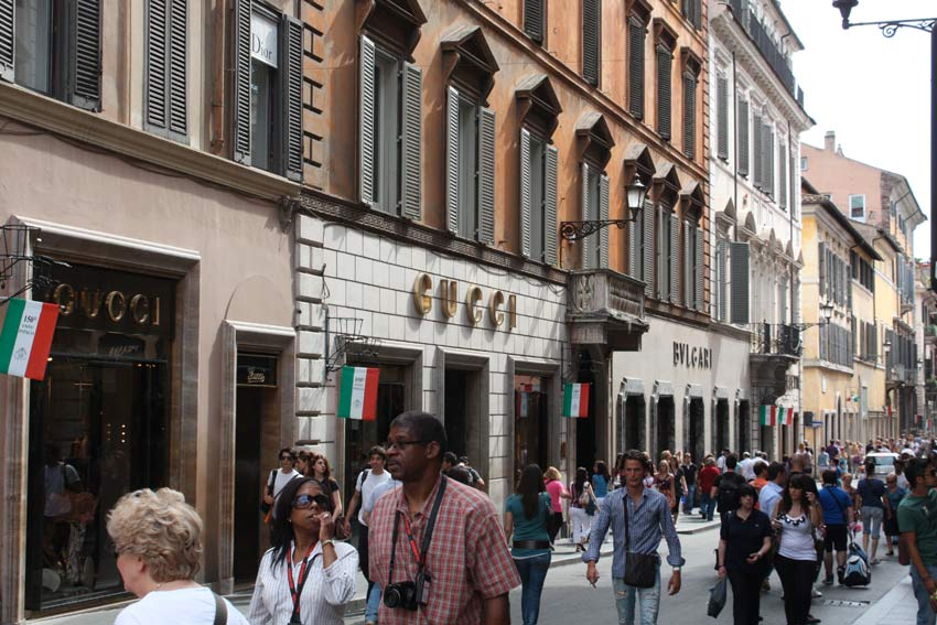 Via Condotti, a Roma