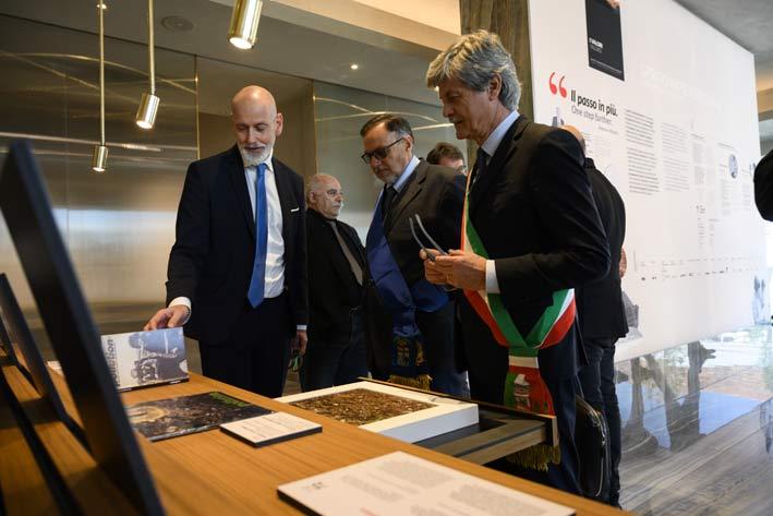 Il sindaco di Fiorano Modenese, Francesco Tosi, all'inaugurazione del museo di Iris Ceramica