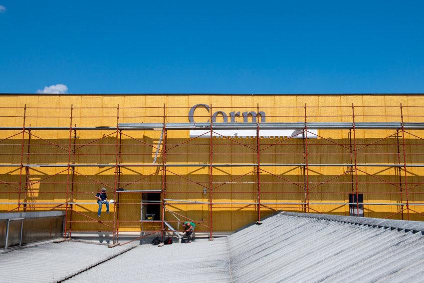 La facciata dell'edificio della cantina